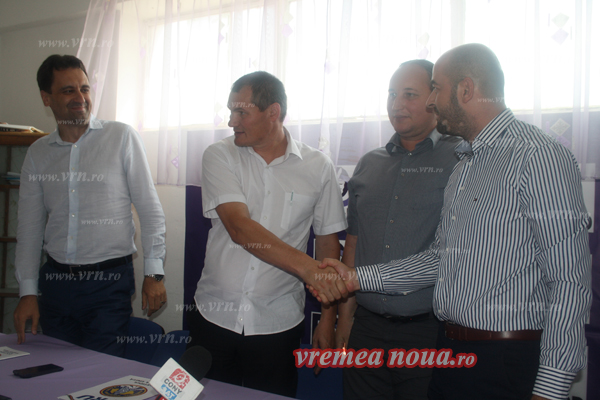 Liderii PPDD Vaslui au trecut, cu toatã organizatia judeteanã, la PRU! (foto)