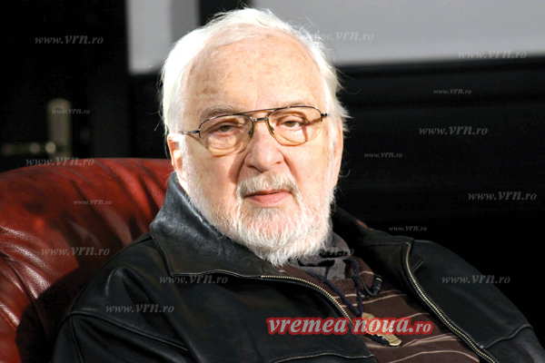 """Constantin Codrescu, huseanul care a dat """"vocea de aur"""" teatrului radiofonic!"""