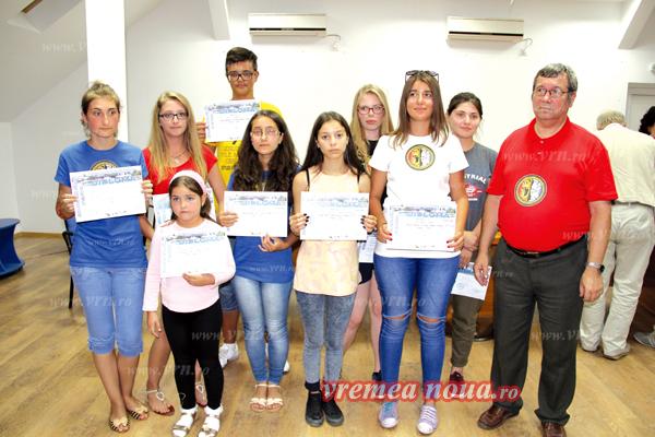 """Elevii bârlãdeni au """"ras"""" toate premiile la Concursul National de Astronomie de la Tulcea! (foto)"""