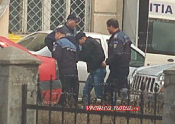 Rãzboiul sustinãtorilor pro si contra, în cazul politistului Andrunache