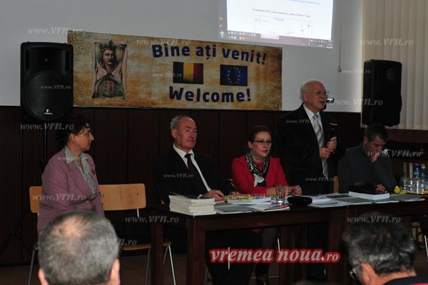 Profesori universitari, prezenti la simpozionul stiintific de la Vaslui