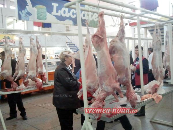 Miei confiscati de politie într-o razie în piata din Bârlad!