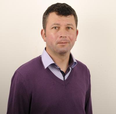 Cãtãlin Stamate continuã lupta pentru binele comunei Pungesti