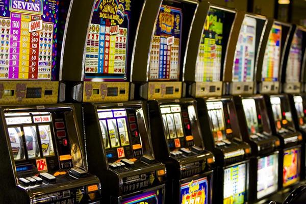 Vasluienii care au realizat venituri din jocuri de noroc sunt asteptati la ghiseele Fiscului