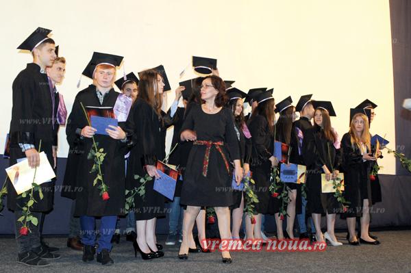 """Cursul festiv al absolventilor de la """"Emil Racovitã"""""""