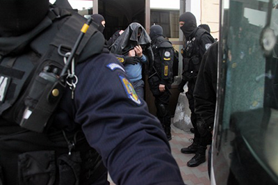 31 de ani de închisoare în cazul moldovenilor care au amenintat cu moartea pe seful Punctului de frontierã Berezeni