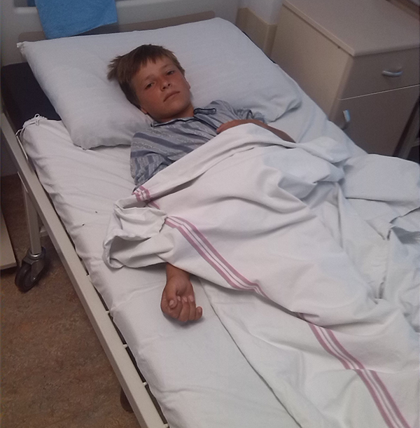 Viceprimarul Vetrisoaiei a mintit: copilul de 12 ani rãnit era exploatat la ferma sa. Avem dovada! (video)
