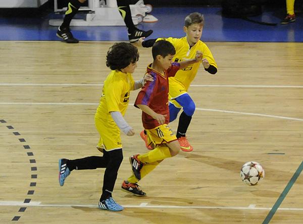 Veste bunã pentru fotbalul juvenil