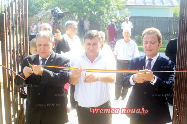 Inaugurarea sucursalei CARP Bârlad la Perieni, cu 15 nunti de aur! (FOTO, VIDEO)