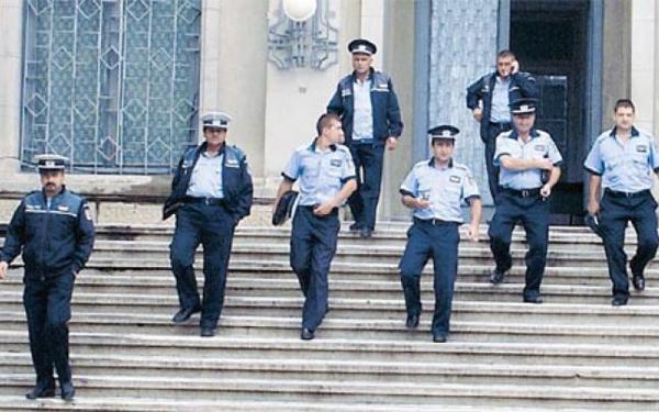 """Politistii vasluieni vor avea o nouã structurã: celebrul """"215″ devine unitate militarizatã!"""