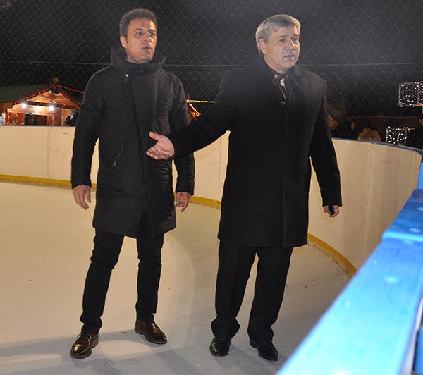 Deschiderea patinoarului din Barlad: barladeni fericiti! (foto)