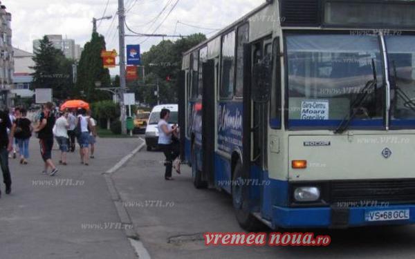 Autobuzele din Vaslui se stricã, pasagerii invitati sã meargã pe jos