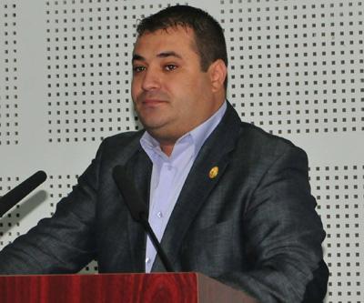 Sute de pesedisti vasluieni chemati de Dragnea pentru apãrarea penalilor din partid
