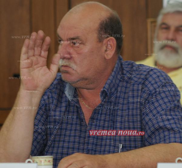 Gavrilescu, din fruntea Husului, la mãturat în folosul comunitãtii!