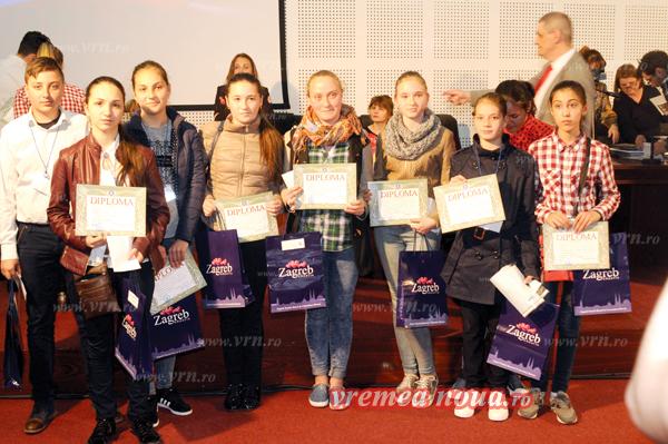 Elevii vasluieni, premiati la Olimpiada Nationalã de Rusã (foto)