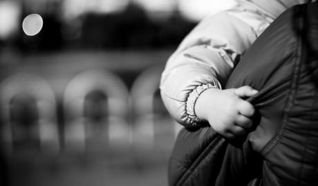 Costurile vieţii în RM: Cum se descurcă o mamă solitară în Chişinău