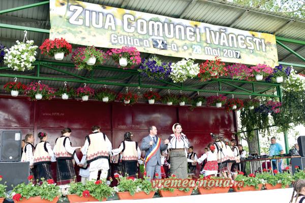 Peste 1.000 de locuitori ai Ivãnestiului au dansat la Ziua Comunei, alãturi de Margareta Clipa si Silvia Ene