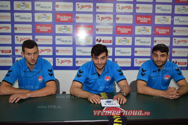 Vali Anton si fratii Bujor au semnat prelungirea contractelor cu HC Vaslui