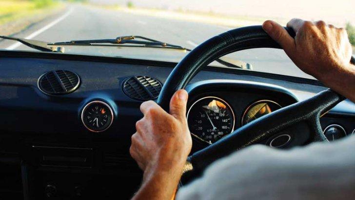 masini cu volan pe partea dreapta