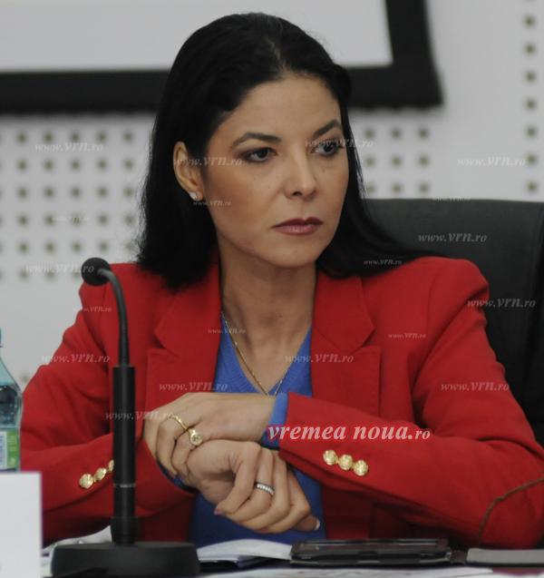 Ana Birchall a pierdut portofoliul Afacerilor Europene. Victor Negrescu, în locul ei