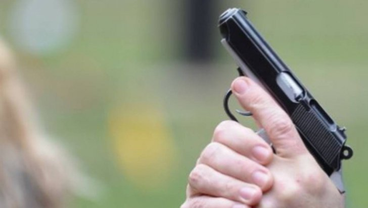 Focuri de armă într-un oraş din România pentru prinderea unor contrabandişti de ţigări