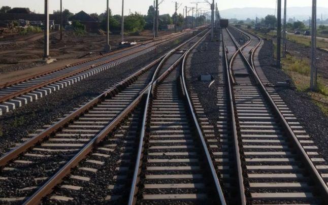 Trenul InterRegio Iaşi – Timişoara a deraiat la ieşirea din staţia Dej Călători
