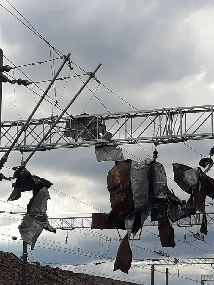 Peste 13.000 de abonaţi casnici din Arad nu au încă electricitate