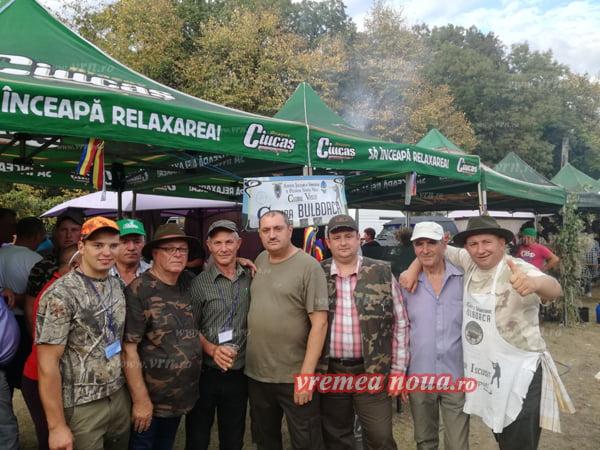 """Bãtaie """"a la Bulboaca"""" la Festivalul Vânãtorilor de la Paiu (foto)"""