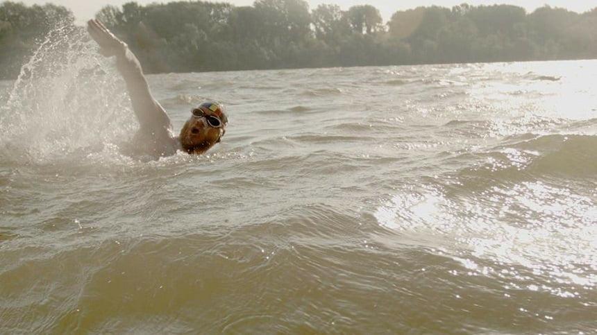Înotătorul Avram Iancu, care parcurs Dunărea de la izvoare la vărsare, a ajuns la destinaţie
