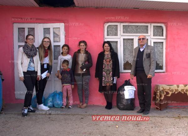 Douã fete din Stãnilesti au nevoie de ajutor pentru a merge la scoalã