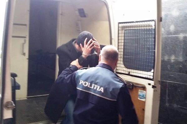 Criminalul din Ciocani rãmâne în arest preventiv