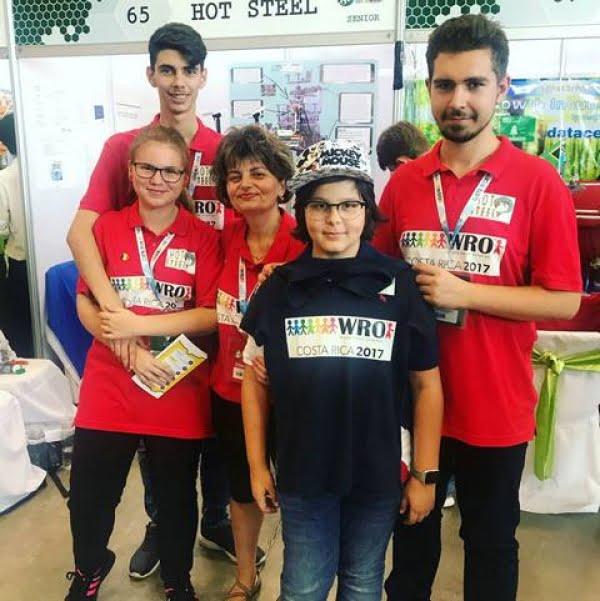4 elevi gălăţeni au obţinut locul 3 în Europa şi locul 6 mondial la Olimpiada Mondială de Robotică