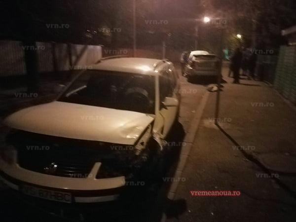 """Un șofer beat, accident pe contrasens, pe strada """"Eminescu"""" din Vaslui!"""