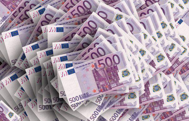 Un SCANDAL URIAŞ DE CORUPŢIE loveşte România! Oricine poate fi victimă. ATENŢIE LA BANCNOTELE EURO! Au fost falsificate milioane