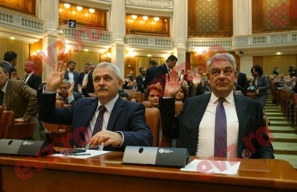 """Tudose și Dragnea îi calmează pe primari: """"Nu sunt motive pentru creșterea taxelor locale"""""""
