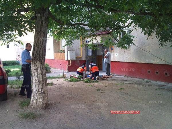 Femeia din Huși, căzută de la etaj, transferată la SJU Vaslui