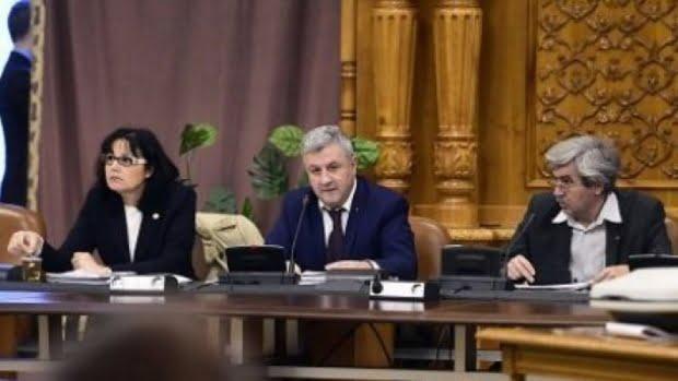 Legea privind organizarea judiciară, adoptată în comisia specială condusă de Florin Iordache. Textul va ajunge în plenul Camerei