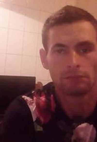 18 ani de închisoare pentru bãrbatul care si-a hãcuit concubina cu 33 de lovituri de cutit