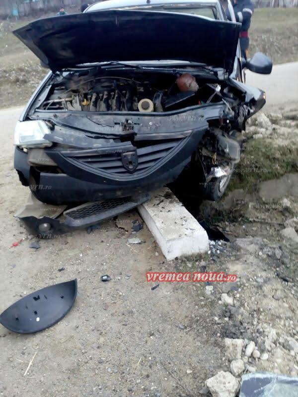 Doua accidente din cauza grabei si a poleiului!