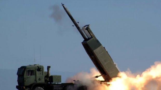 Klaus Iohannis a promulgat Legea privind achiziţionarea de sisteme de lansatoare multiple de rachete