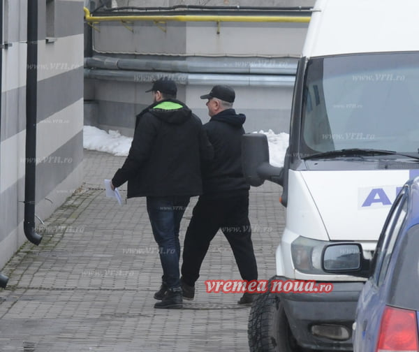 Babuin si Twist au ciripit, traficantii de droguri din Vaslui capturati!