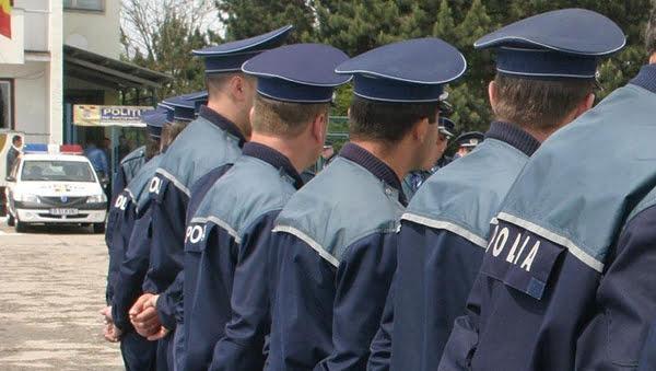 Salariile politistilor, bãtaia de joc de la Interne