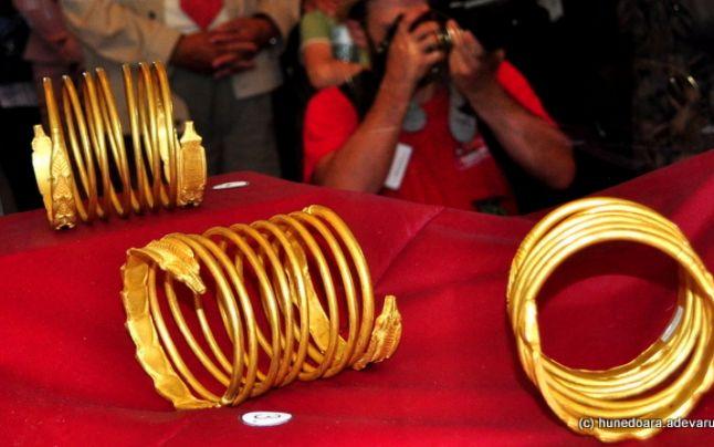 """Sentinţă uluitoare în """"Aurul Dacic"""". Ce au păţit traficanţii comorilor de milioane de euro furate din Sarmizegetusa Regia"""