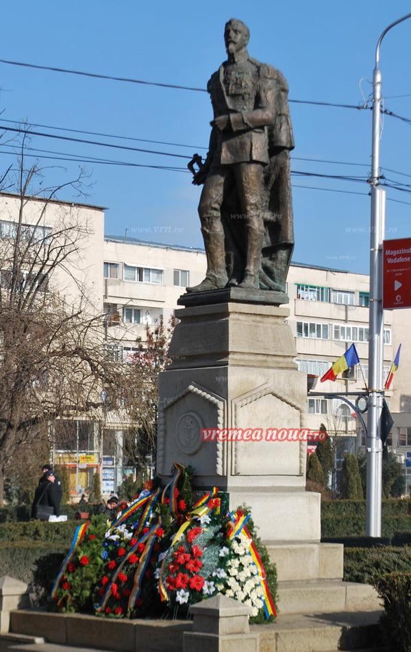 La ceas aniversar: Casa Cuza din Bârlad locuitã de rromi, autoritãtile nepãsãtoare!