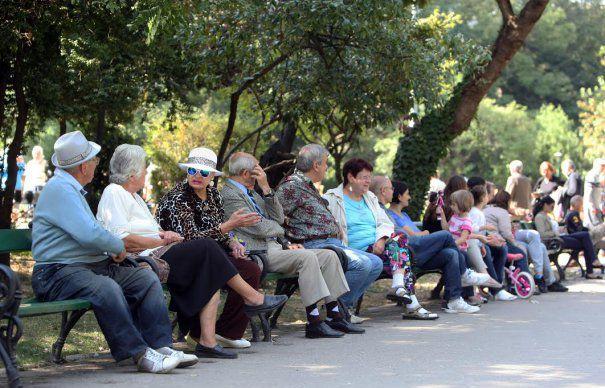 De ce n-ajung banii pentru pensiile românilor care au cotizat