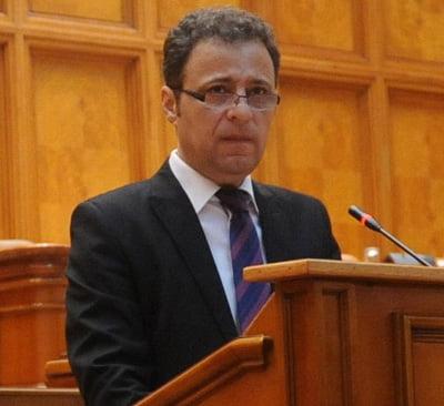 """Reactia deputatului Olteanu: """"PNL Vaslui, un an al excluderilor si al decãderii"""""""