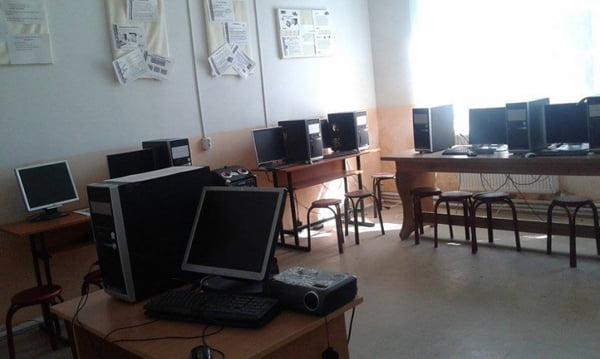 Au început înscrierile la proiectul Digitaliada: echipamente IT gratuite pentru zece scoli