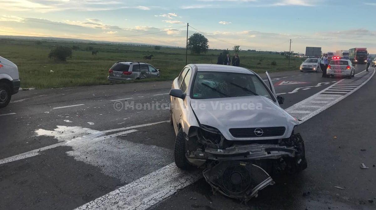 Patru persoane rănite, între care o gravidă și un copil mic, în urma unui accident la Bizighești