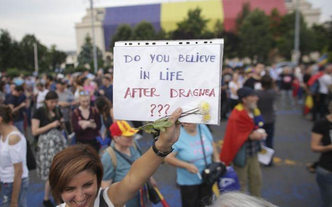 """Un nou protest anunţat sâmbătă în Capitală: """"Ordonanţa 13 revine! Toţi în Piaţă"""""""