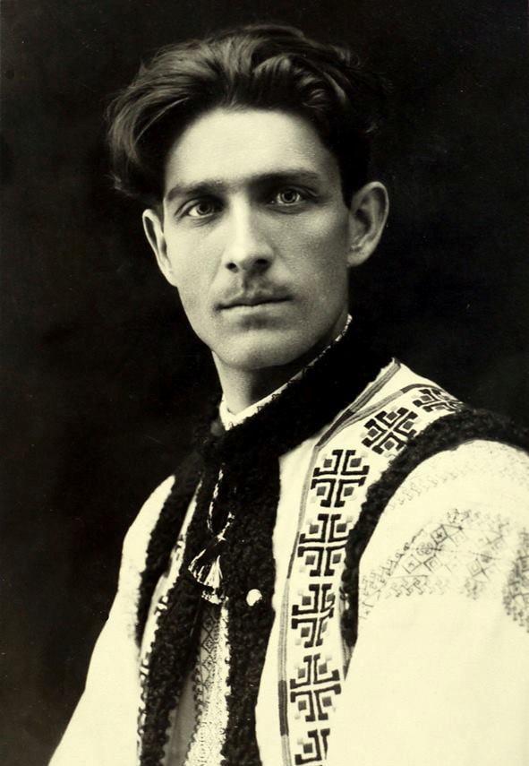 """24 iunie 1927- ziua în care hușeanul Corneliu Zelea Codreanu întemeiază """"Legiunea Arhanghelul Mihail"""""""